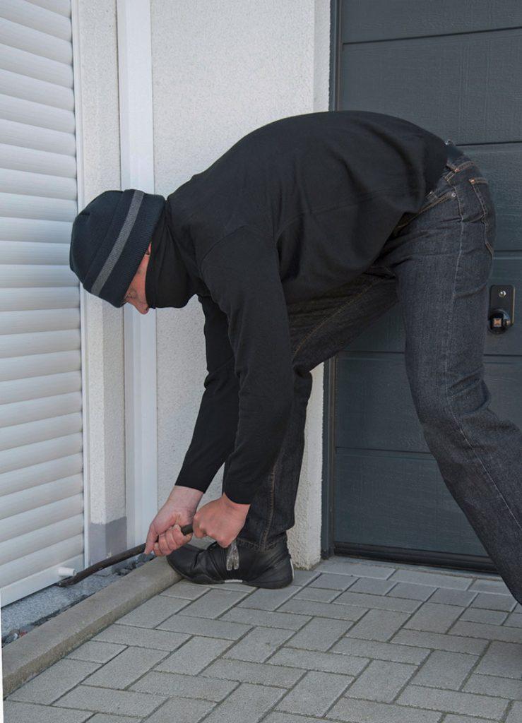 haus und wohnung richtig sichern schutz vor einbrechern rollladen und sonnenschutzportal. Black Bedroom Furniture Sets. Home Design Ideas